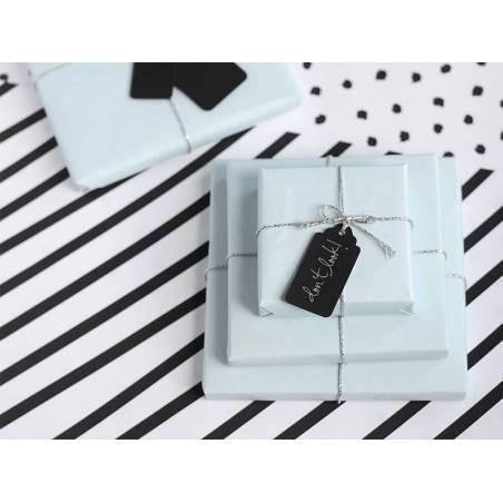 Etiquettes cadeaux à volants