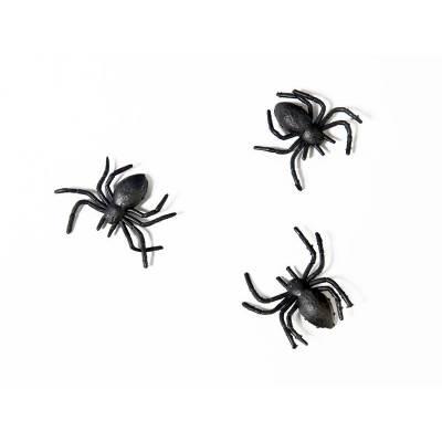 Araignées en plastique noir