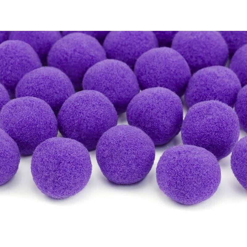 Pompons en peluche violet