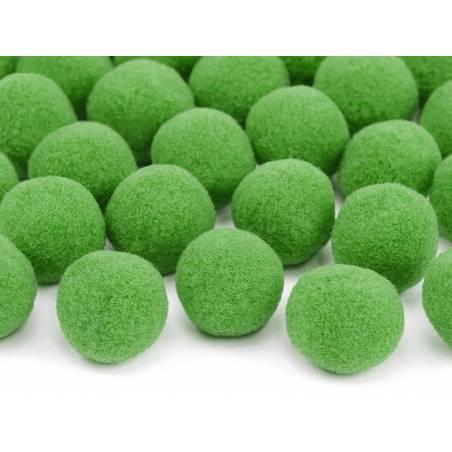 Pompons en peluche vert clair